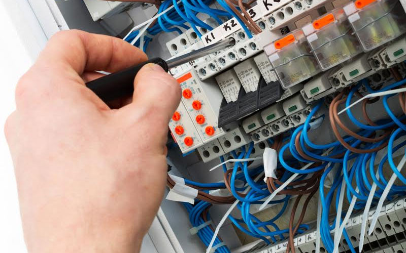 electricista barato raparaciones basicas